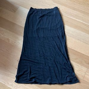 Seven7 black maxi skirt with lining size L